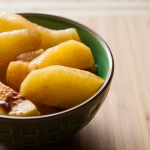 <a href=&quot;http://www.whatsontheplate.com/quick-apple-dessert/&quot;>Quick Apple Dessert</a>